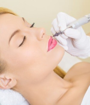 Permanent make-up: the pros and cons of tattooing of lips