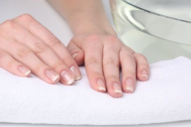 to Strengthen Nails at Home