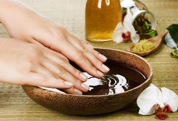 olive oil to strengthen nails