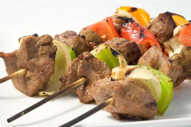 cook beef shish kebab