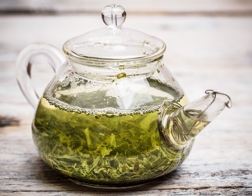 Green tea brewing
