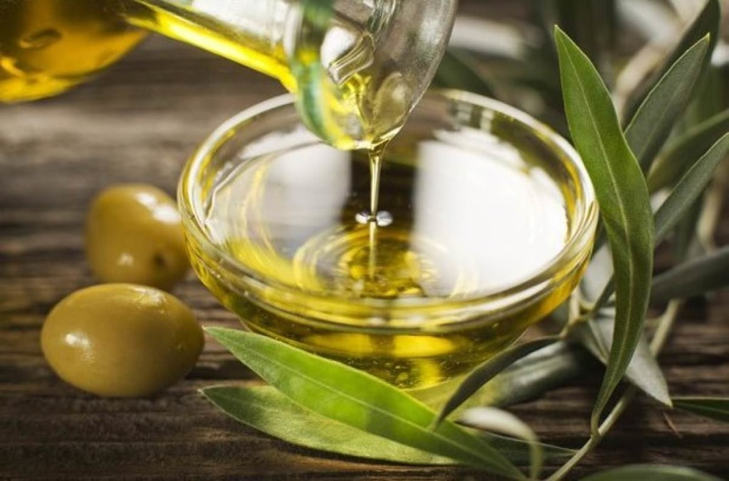 Benefits and harms of olive oil