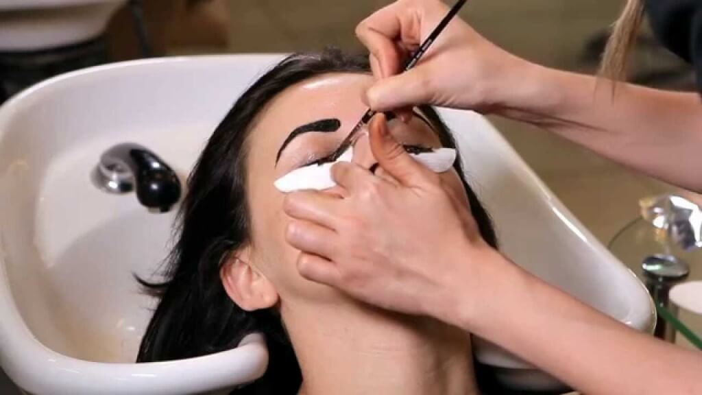 how to dye eyebrows and eyelashes