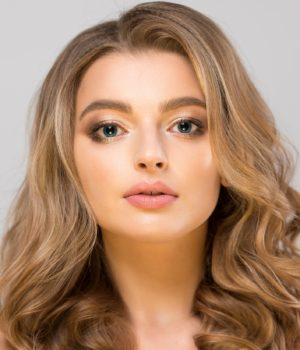 stunning look by photoshoot professional makeup artist